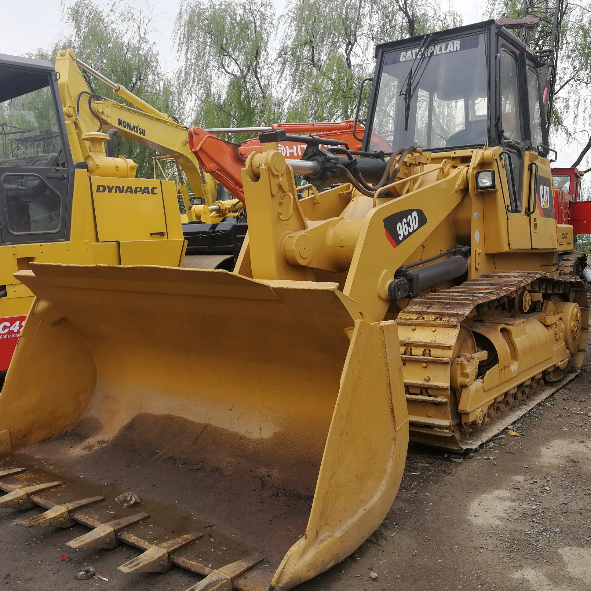 Caterpillar Crawler <span class=keywords><strong>Loader</strong></span> Bekas CAT 963D <span class=keywords><strong>Loader</strong></span>