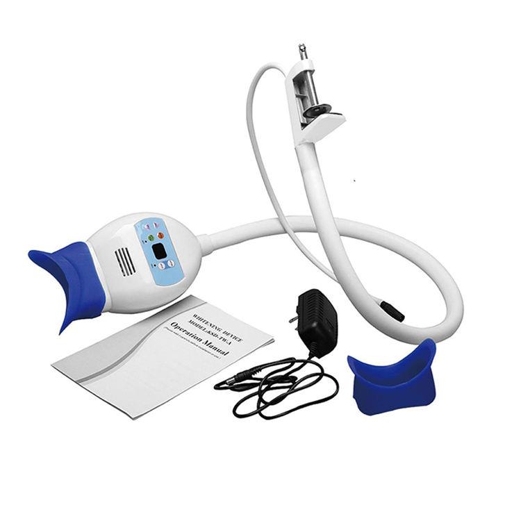 En la oficina de <span class=keywords><strong>blanqueador</strong></span> blanqueamiento luz dental <span class=keywords><strong>portátil</strong></span> blanco de los dientes led blanqueamiento máquina de equipos de