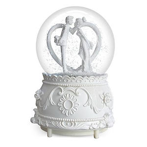 White Wedding Favor Snow Globe with Couple Kissing Water Ball Home Decor Valentine'S Gift