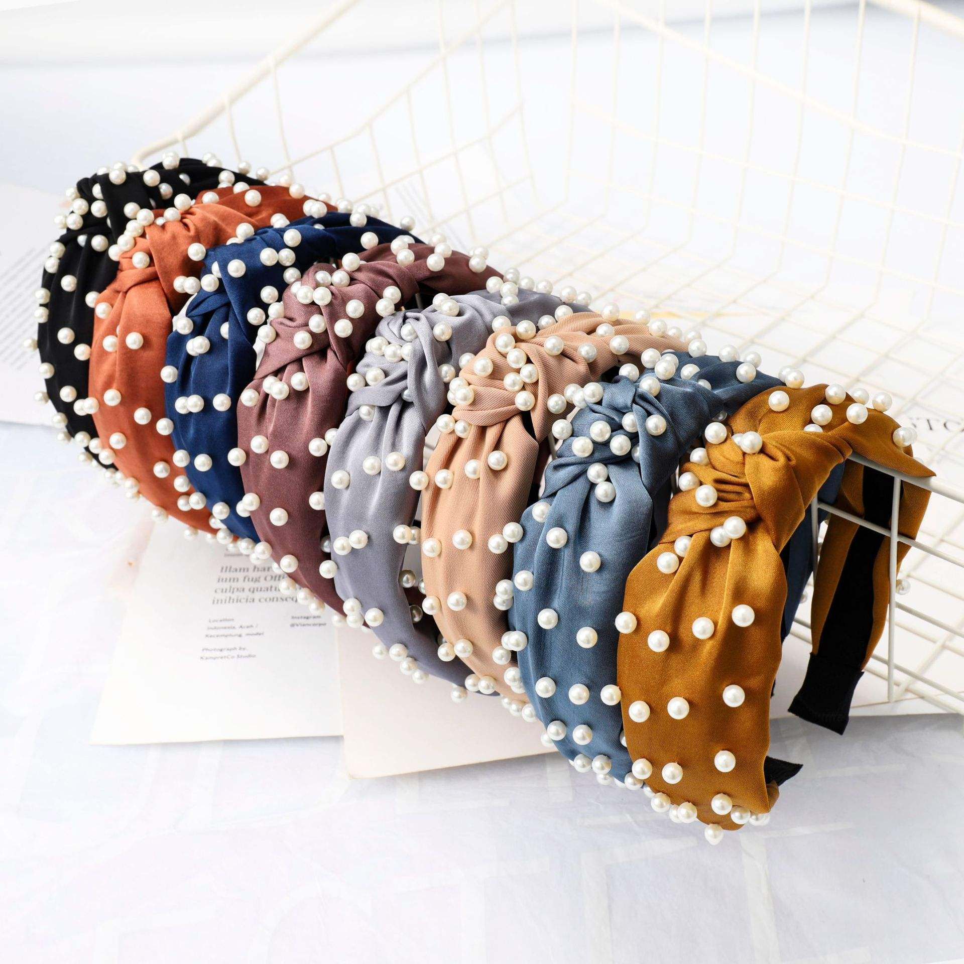 LRTOU Wholesale Korea Fashion Womens Hair Accessories Head Band Custom Women Fabric Tie Knot Pearl Plastic Headband For Girls