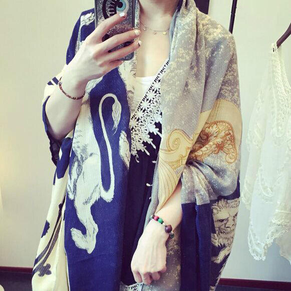 New design of beach wraps animal printing scarf Bear lion and angel women's viscose scarf shawl