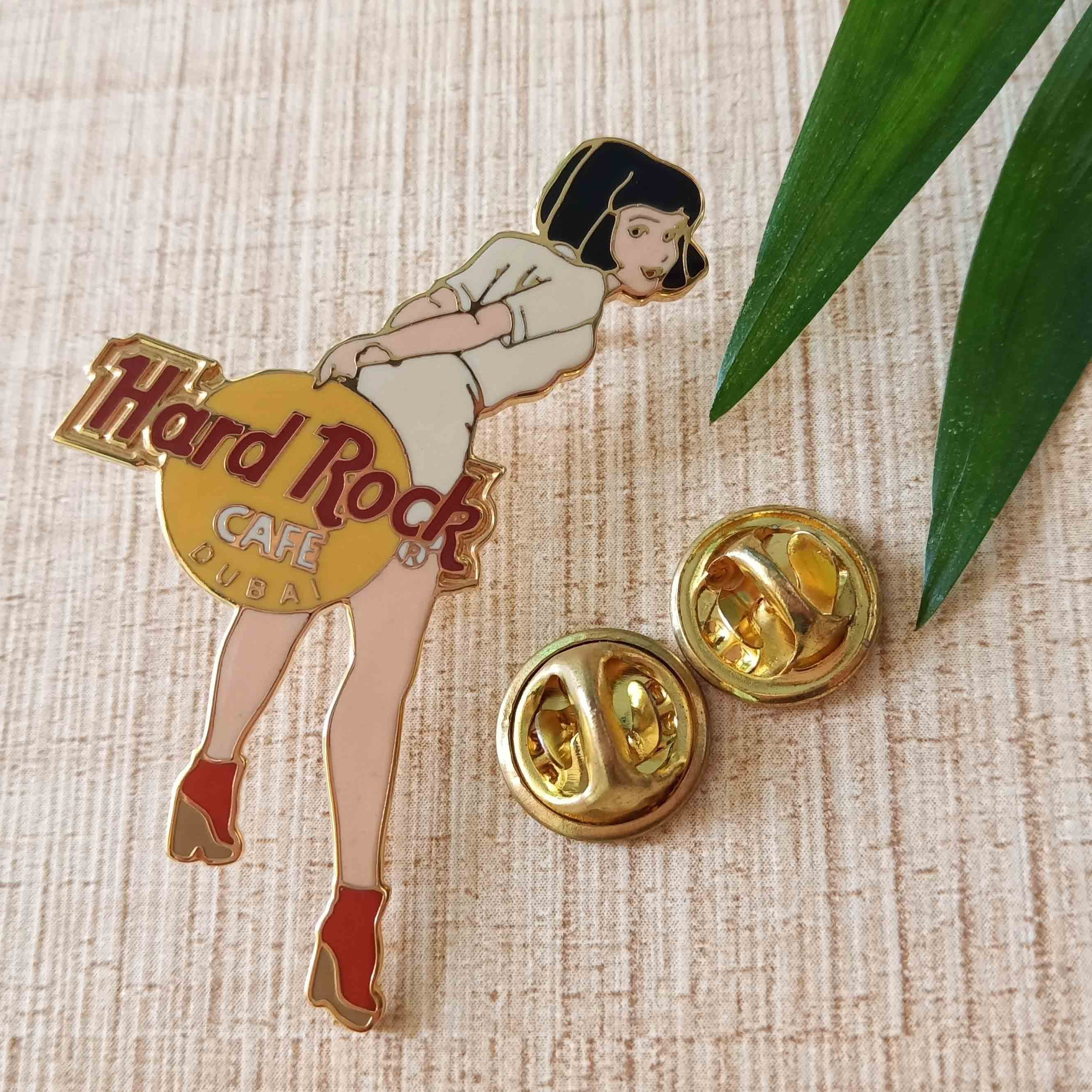 Hot selling 2019 wholesale custom pins soft enamel anime girl enamel pins