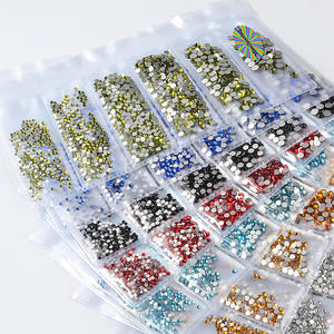 Amazon Hot Selling Gemengde Maten 3D Nail Art Decoratie Nail Crystal Rhinestone voor Nail Art