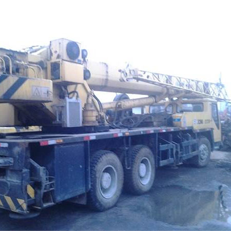 Used XG QY25K 25ton Truck Crane For Sale