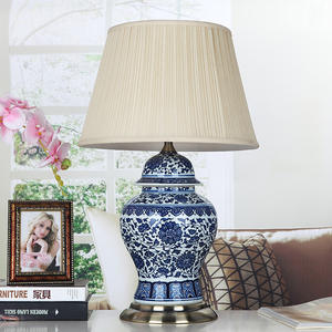 Vintage home furniture asian blue and white table lamp ceramic reading lamp for hotel