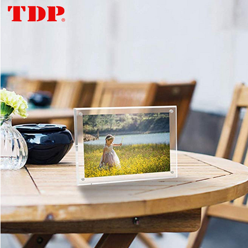 Acrylic photo&picture frame with magnet
