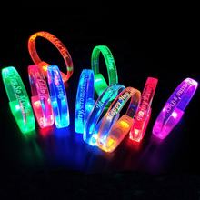 Personnalis Custom Logo Sound Music Control Flashing Wristband Light up Led Bracelet With Led Light