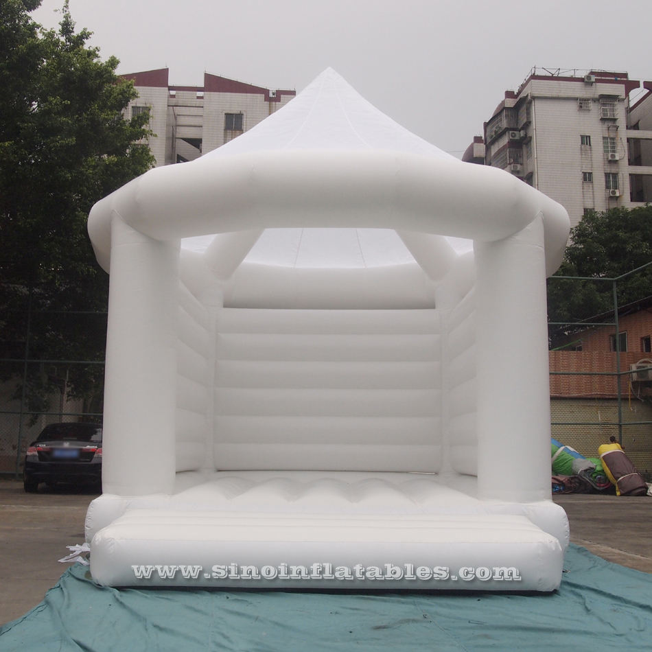 Commercial adults wedding white bouncy castle for wedding parties from Guangzhou Inflatables