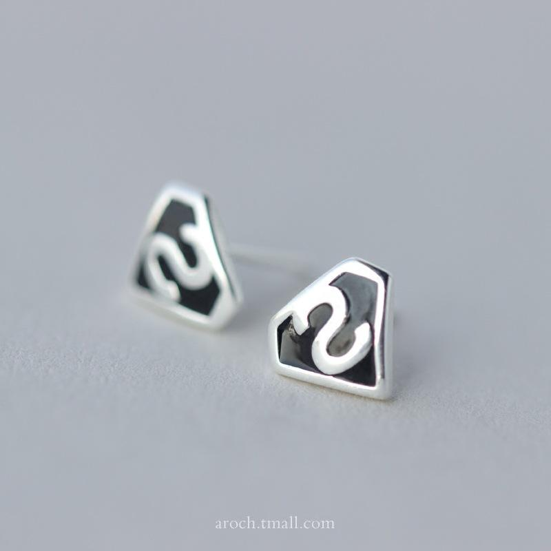 925 Sterling Silver Anting-Anting Perempuan Korea Fashion Kartun Superman Anting-Anting Huruf S Stud Anting-Anting Perhiasan Wanita