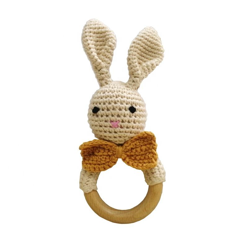 Natural Lovely Knitted Bunny Handmade High Quality Small Wooden Crochet Baby Teethers And Rattles