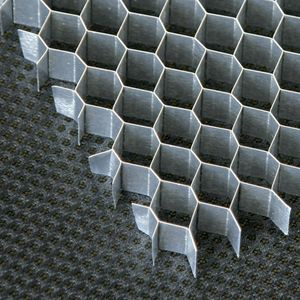 Aluminum-plastic honeycomb core plate composite panel