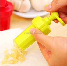 Good design Manual Garlic Press Twist / chopper garlic press / plastic garlic peeler,grater