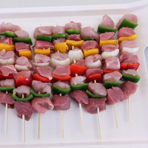 2016 hot sale disposable plastic fruit skewers for satay