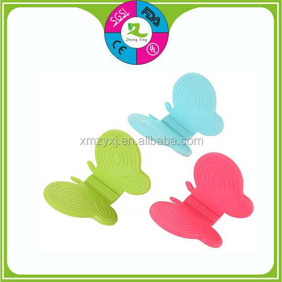 Kitchen utensil Smart function butterfly shaped mini silicone pot holder