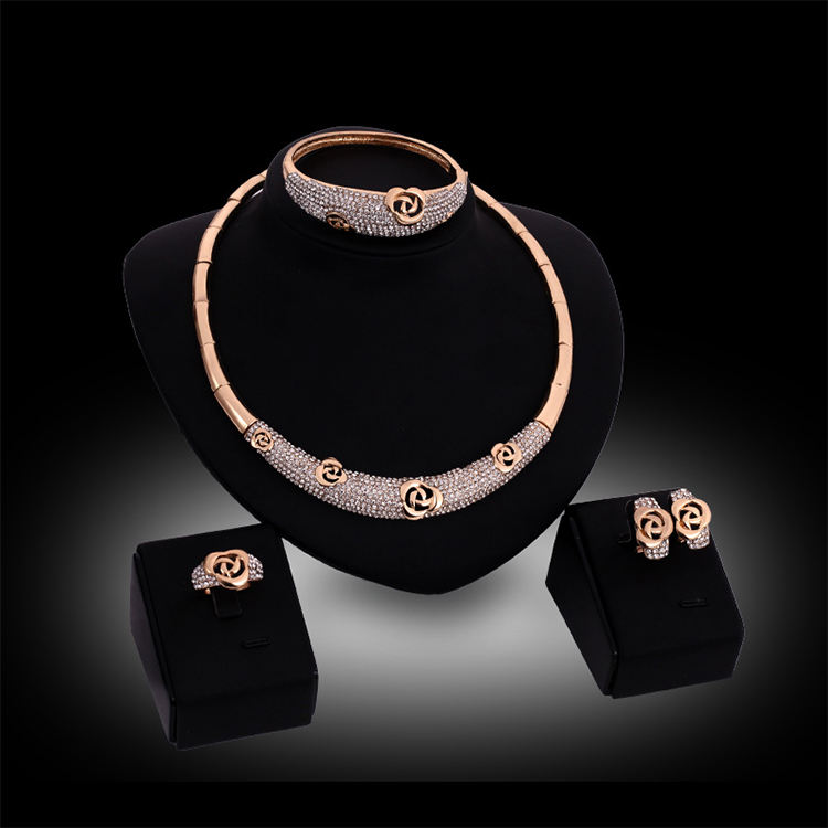Wholesale Dubai Fashion Crystal Flower Wedding Jewelry 4pcs African Gold 24K Jewelry Set for Women
