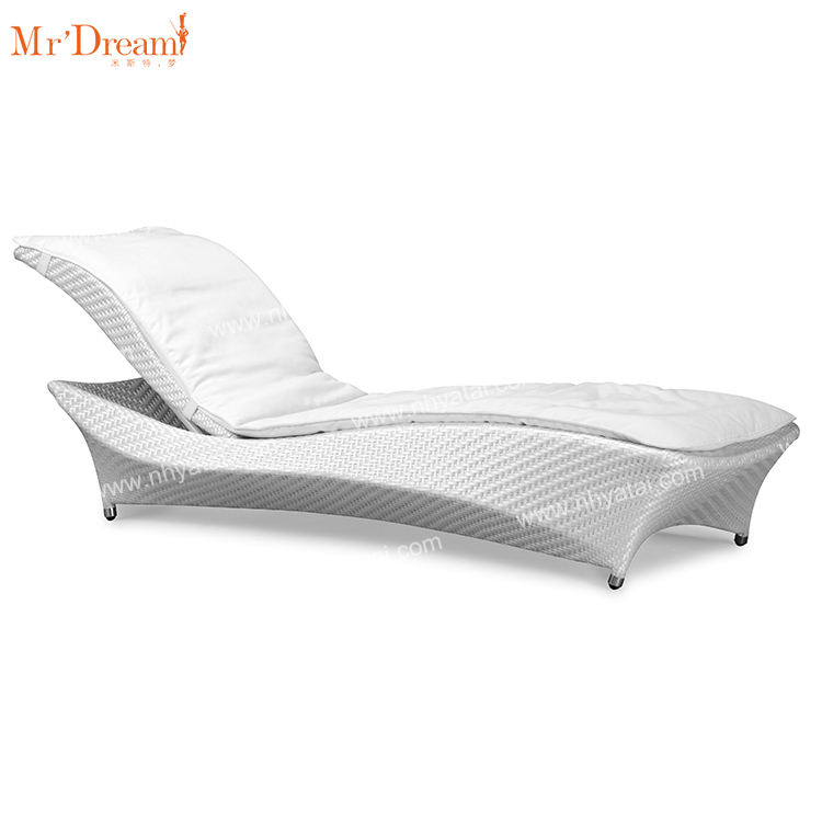 Mr Dream commercial hotel project customized poolside weather resistant rattan garden chaise outdoor lounge