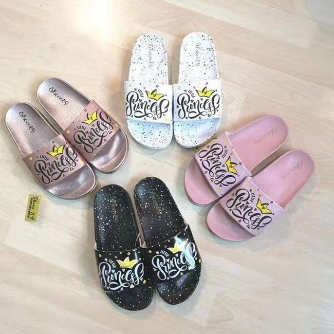 2019 Spring ins Style Ladies Princess Crown Cartoon PVC Slippers Women Elegant Spray Paint Asia Europe Markets Slide For Girls