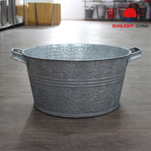 Galvanized Ice Bucket Hammered Metal Beer Storage Container Round Shaped Two Sides Handles 16L Customized Factory Direct Supply