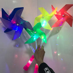New Arrival Toys 4 Leafs Multicolor LED Light Up Windmill For Kids With Customized Logo