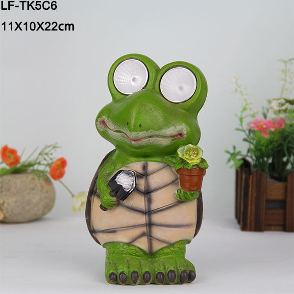 Ip44 protection level outdoor led garden lights,solar garden light parts green resin frogs