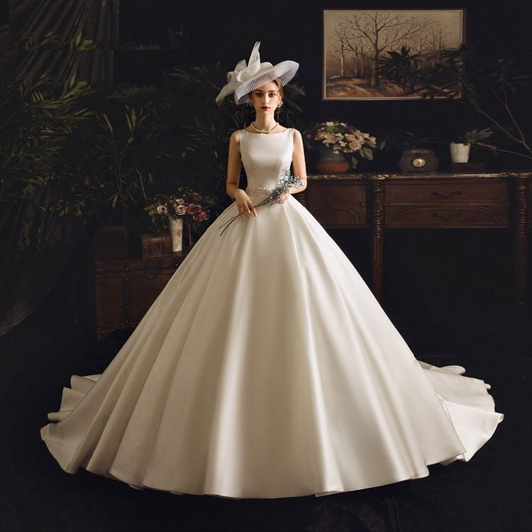 # 6850 Japanese Style White Real Photo O Neck Sleeveless Satin Ball Gown Wedding Dress Supplier