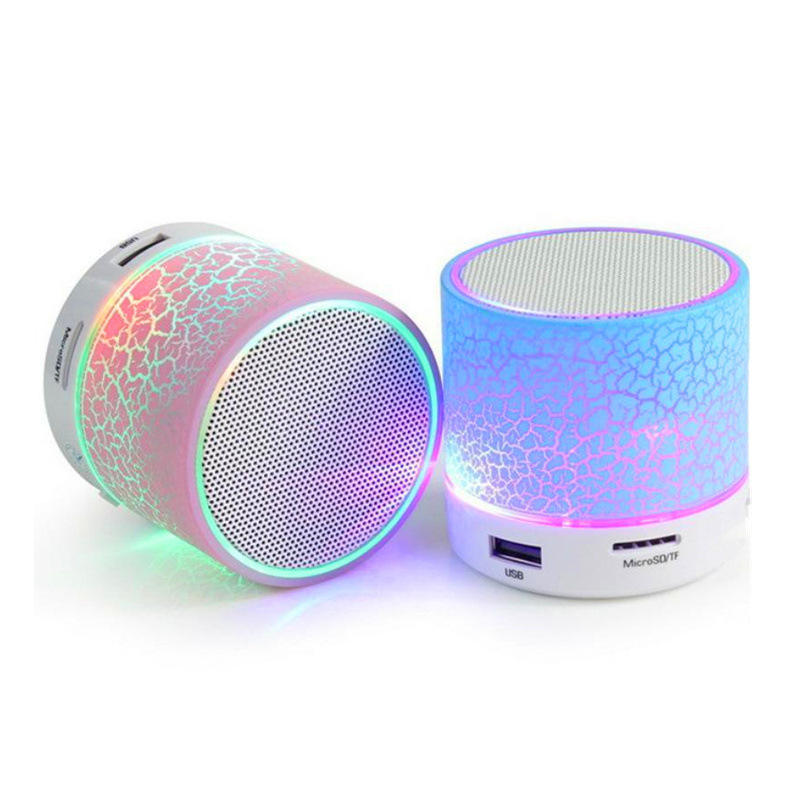 Esterno Portatile Mini Bluetooth con la luce variopinta del led può mettere la Carta di TF bluetooth speaker