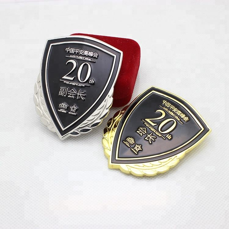 Black Soft Enamel Metal Car Badges and Logos with High Crafts