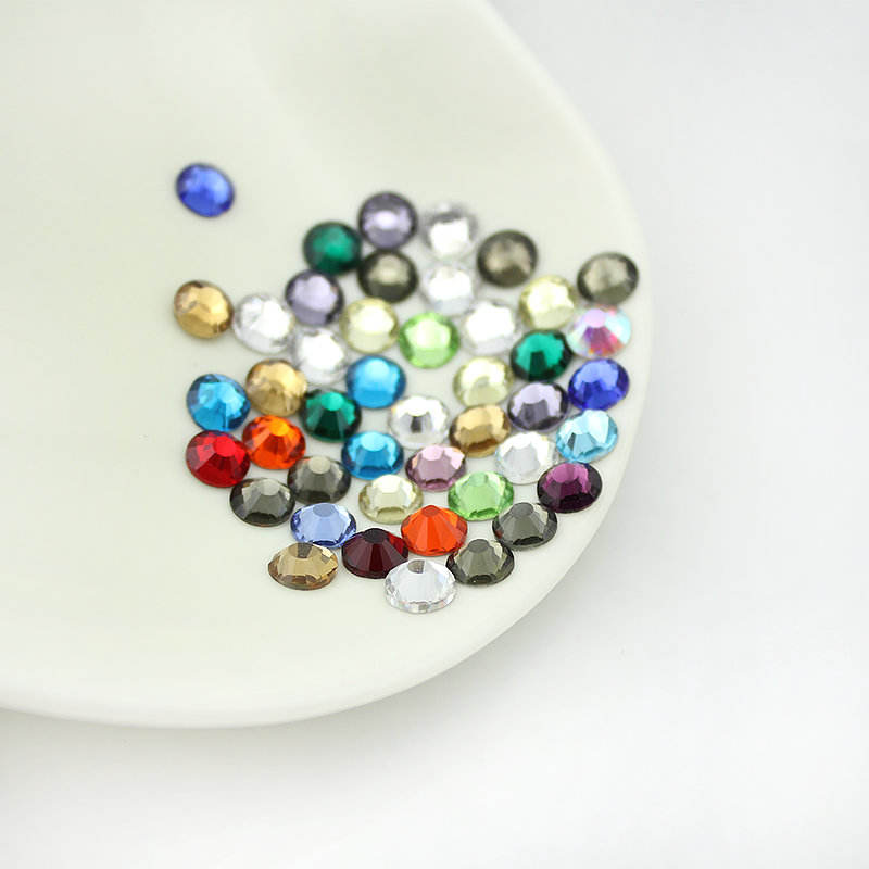 Wholesale Manufacturer SS30 Colors Non Hot Fix Flat Back Crystal Stone Rhinestones on Garment Accessories