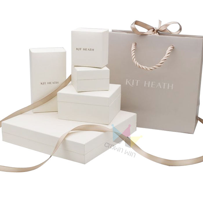 Crown Win Supplier Luxury Customized Logo Shopping Gift Paper Bag