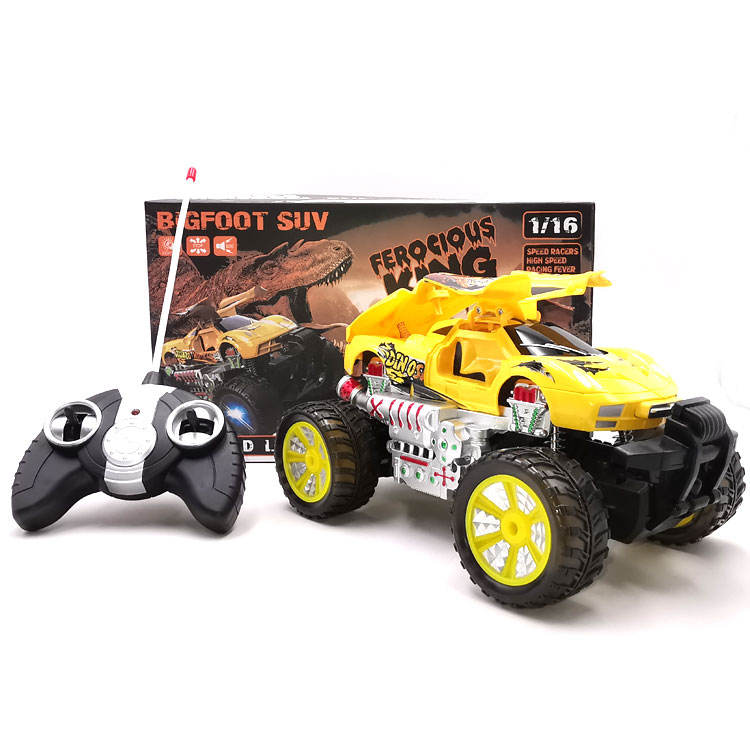 New arrivals Hot Sale Four Drive 2.4Ghz 4WD 360 degree rotation hit against open the door has light and music hit toys