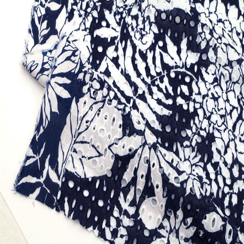 2019 high quality 100% cotton eyelet embroidered printed fabric for dress