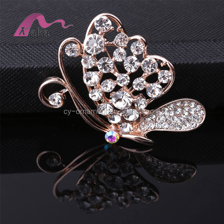 Cheap metal brooch for cloth decoration, butterfly shaped crystal brooch