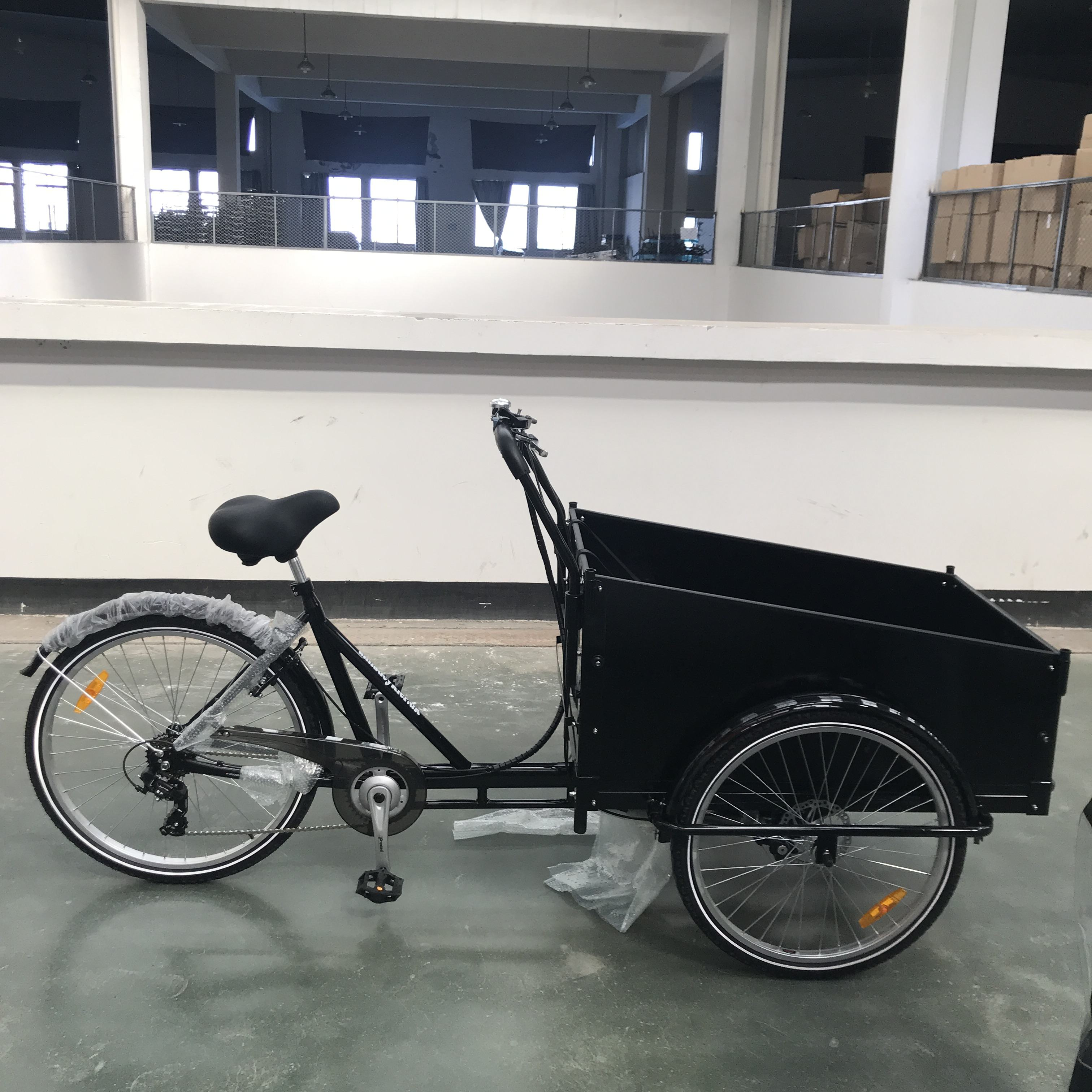 nanyang/clamber 9027 Fashion adult cargo bike(24'',26'') could carry kids or cargo in 3 wheels with 6 speeds and V brake