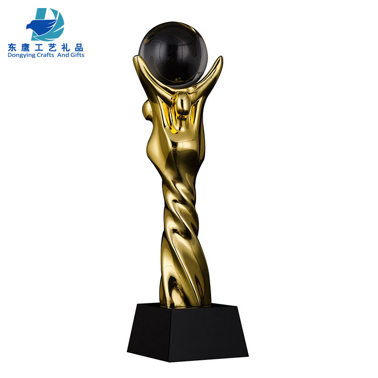 Wholesale Top Customized Fashion Dragon Ball Crystal Golden Resin Trophy