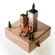 Best selling Big Ben and Tower Bridge Rotated wooden music box hand crank music box with 24 styles
