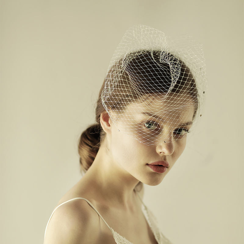 V602 Shiny diamond cathedral wedding veil with comb bridal birdcage veil organza vintage bridal white veil