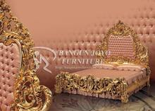 King Royal carved bed furniture wood royal bed with gold leaf BJ RVS12