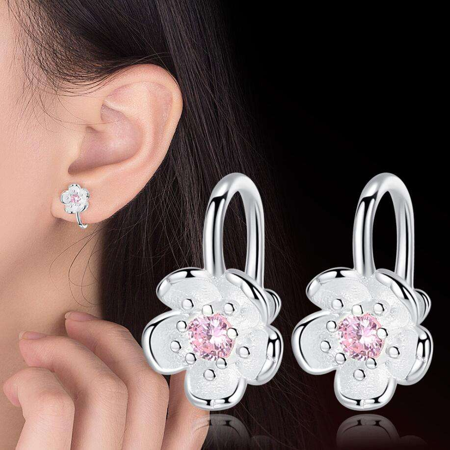 Temperament fashion pastoral cute flower silver jewelry Female Japan and South Korea romantic cherry blossom small fresh earring