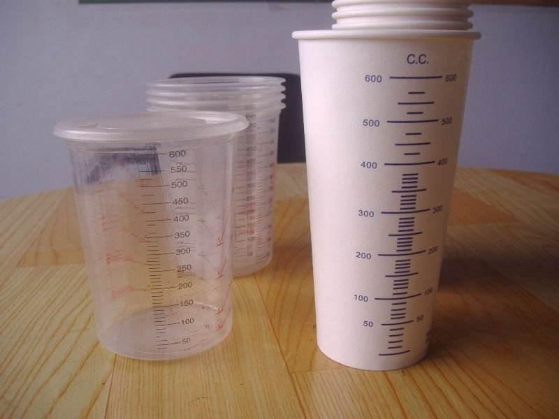 Silicon free plastic/paper paint calibrated mixing cups