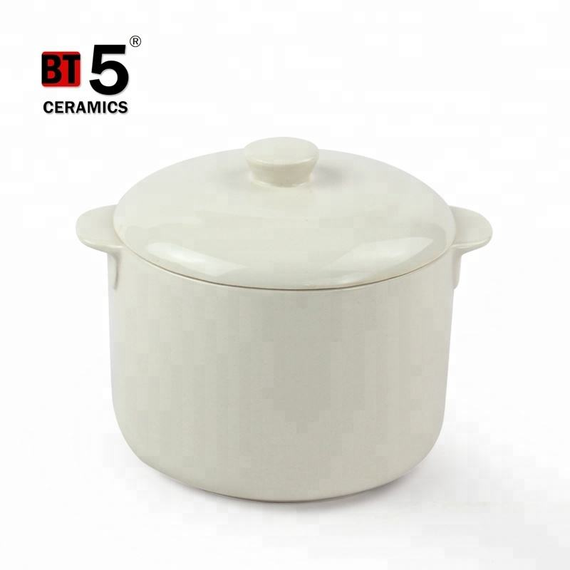 Double handle white casserole ceramic cookware with lid