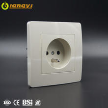 2020 16A French type switch socket