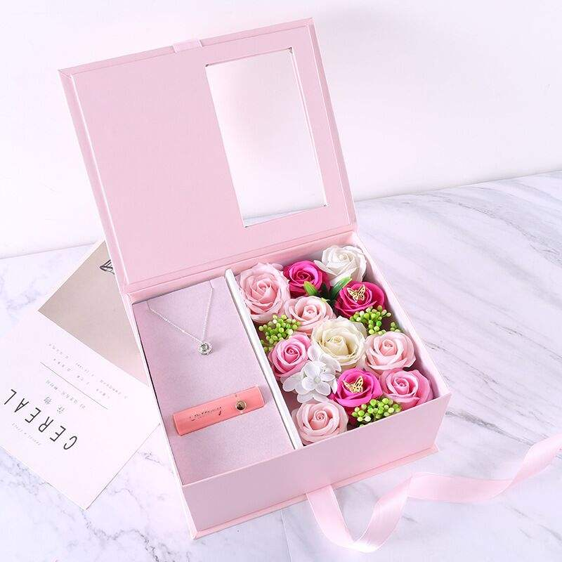 High-quality Creative Lipstick Necklace Soap Flower Gift Set for Birthday Gift and Mother's Day Gift