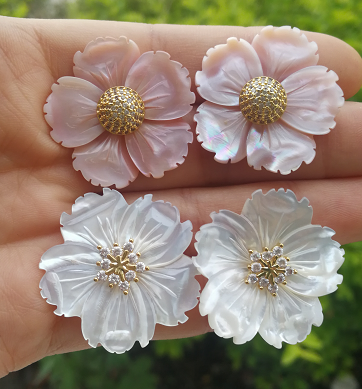 Premium Freshwater Shell New Mother's Day Flower Earrings