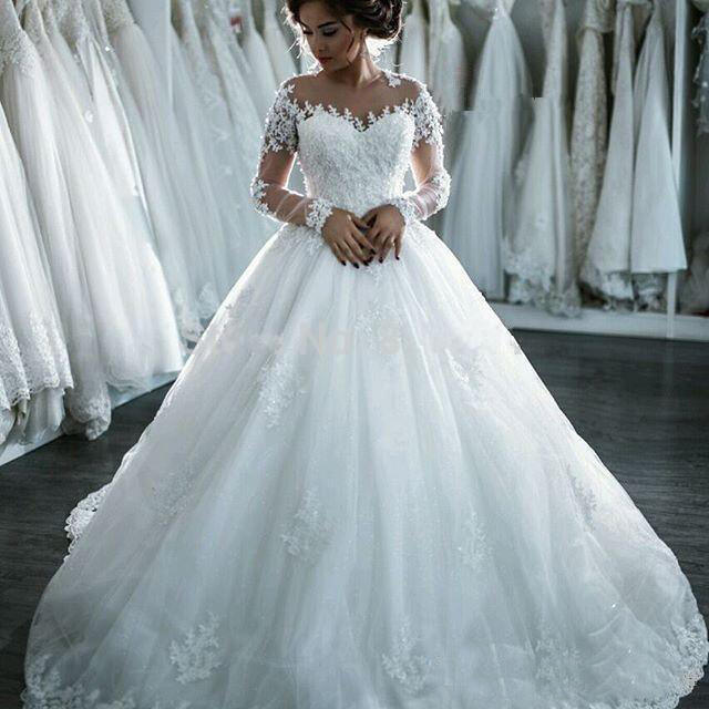 Q002 In stock Plus Size Lace Wedding Dress 2020 Pictures New Long sleeves Wedding Dress With Long Tail