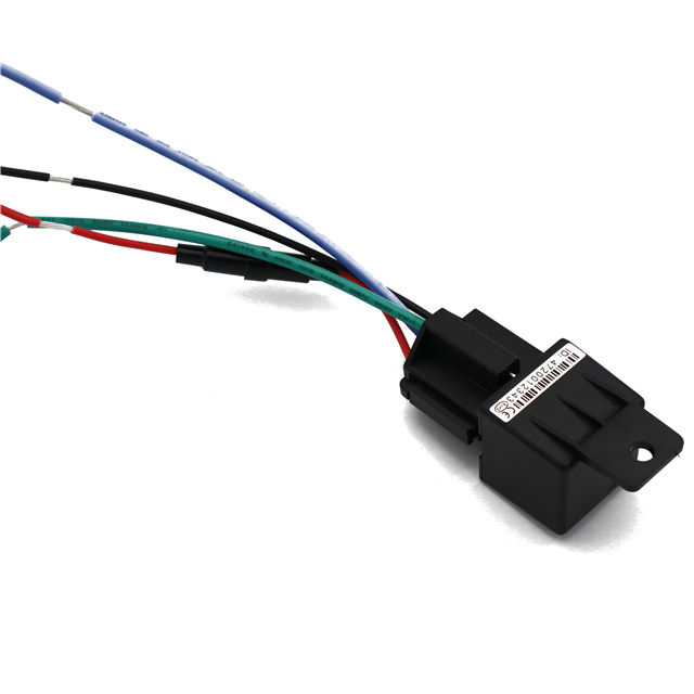 relay gps Tracker for Vehicle Cut off oil power System GPS continuous positioning and GPRS timing report