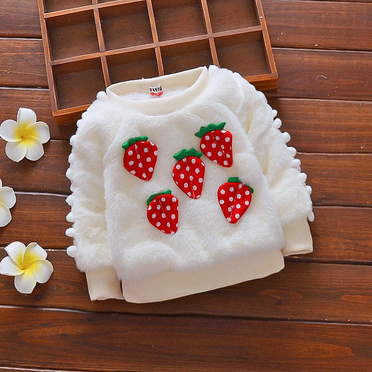 2020 hot selling Zhejiang factory sweater Strawberry printed warm comfortable baby coat sweater