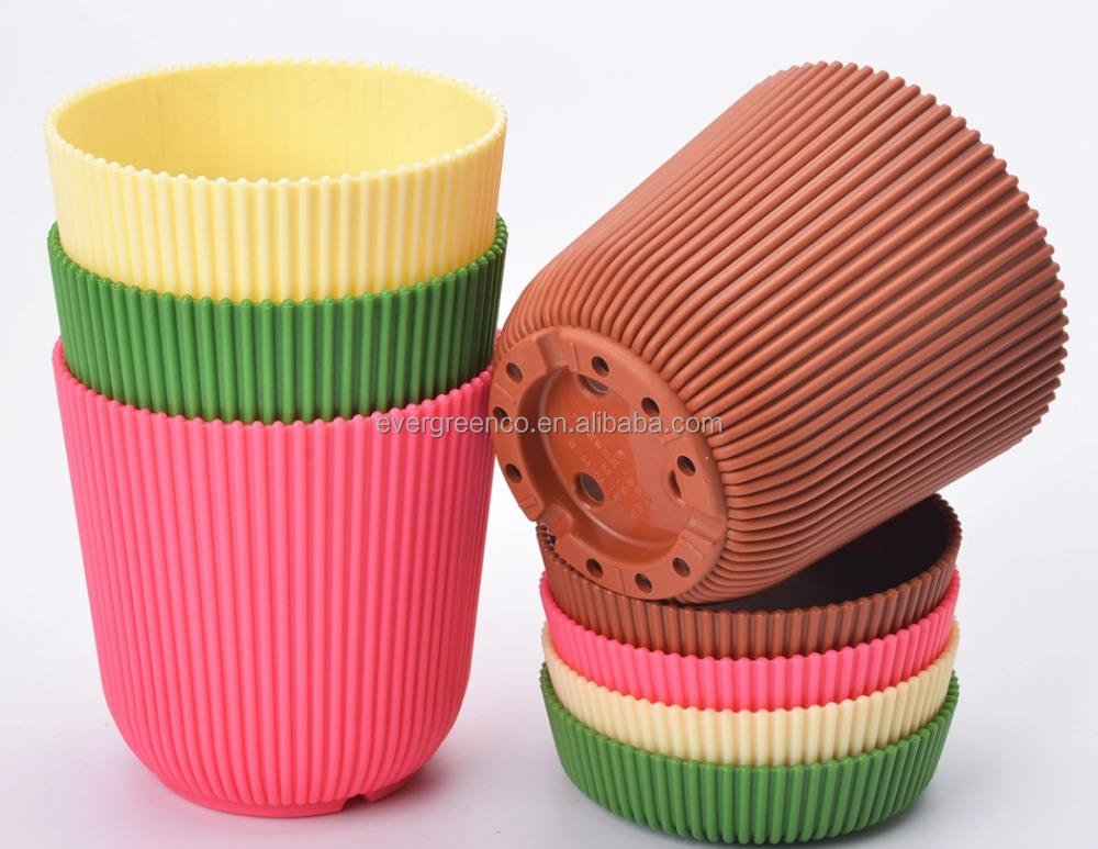 Garden Plastic 6 Multicolored Circle Saucer Pallet Planter Nursery Pots