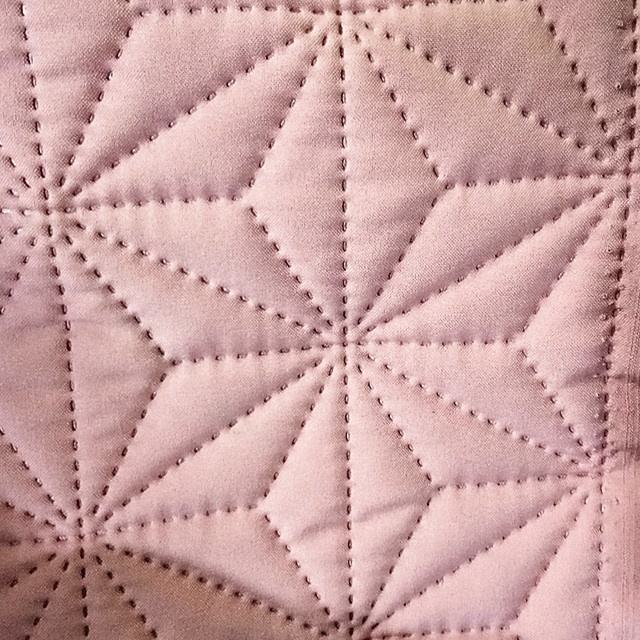 Garment Fabric 100% Polyester Ultra Sonic Quilting Quilt pattern As Sketch Padding Inside