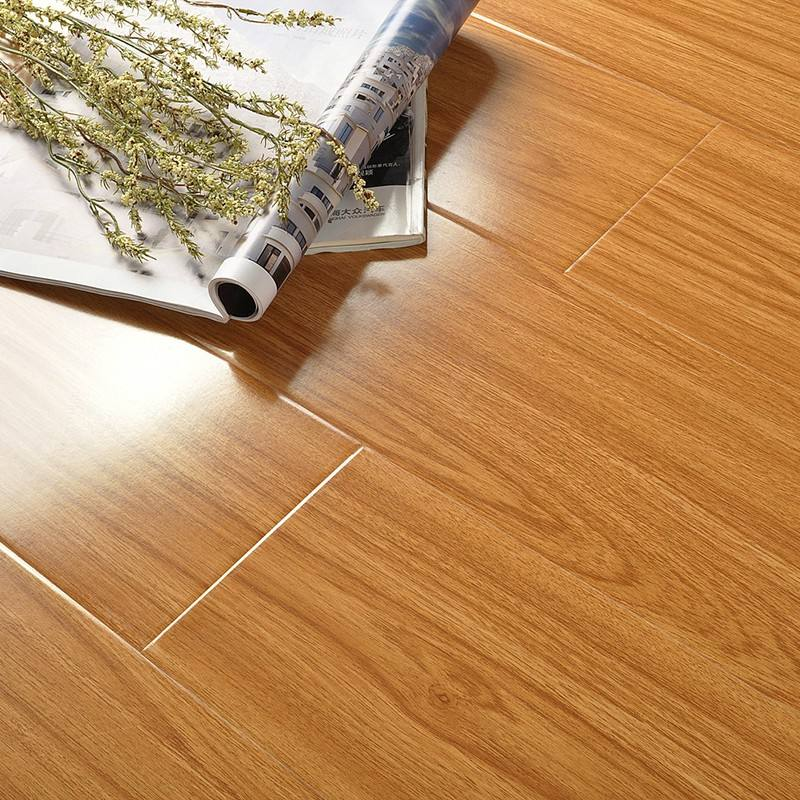 HDF material wood laminate flooring in China