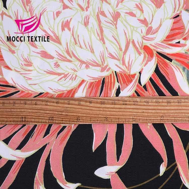 En gros 100% polyester trinda feuille chèvre impression tissu pour robe